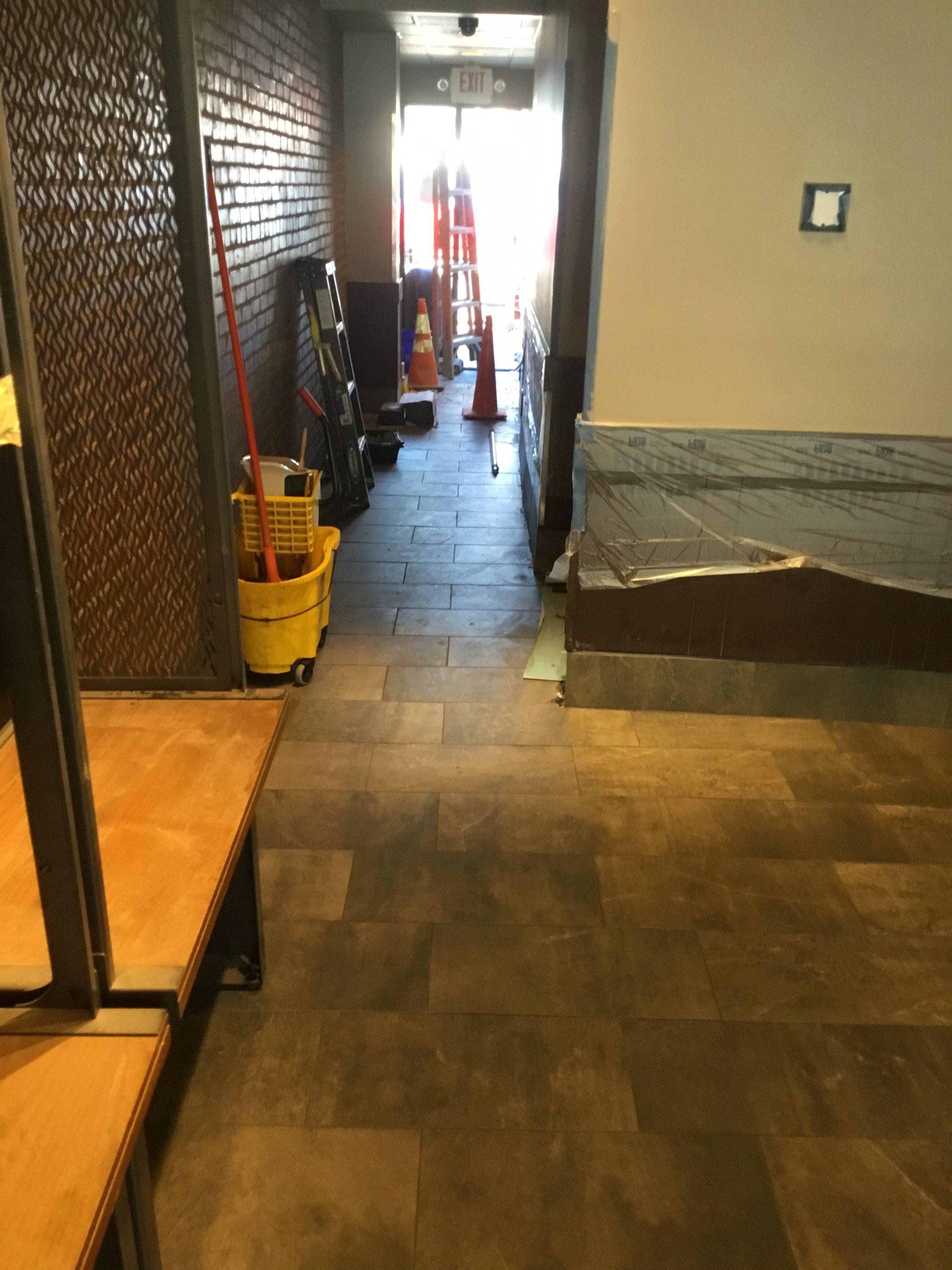 Star_Tile.hallway